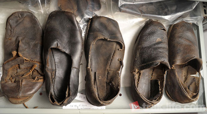 Gentlemen, if your current pair of shoes looks like this... it's time to let go.